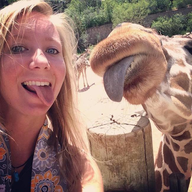illuzone_Animal_Annoyed_Selfie (1)