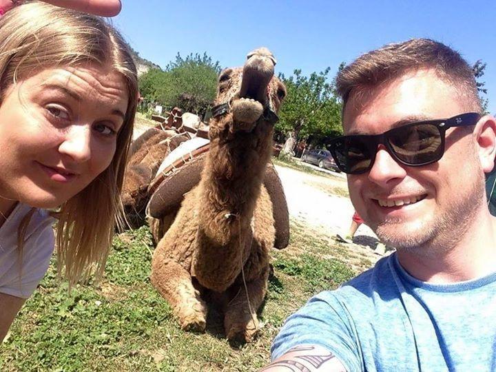 illuzone_Animal_Annoyed_Selfie (16)