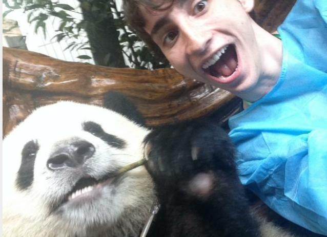 illuzone_Animal_Annoyed_Selfie (29)