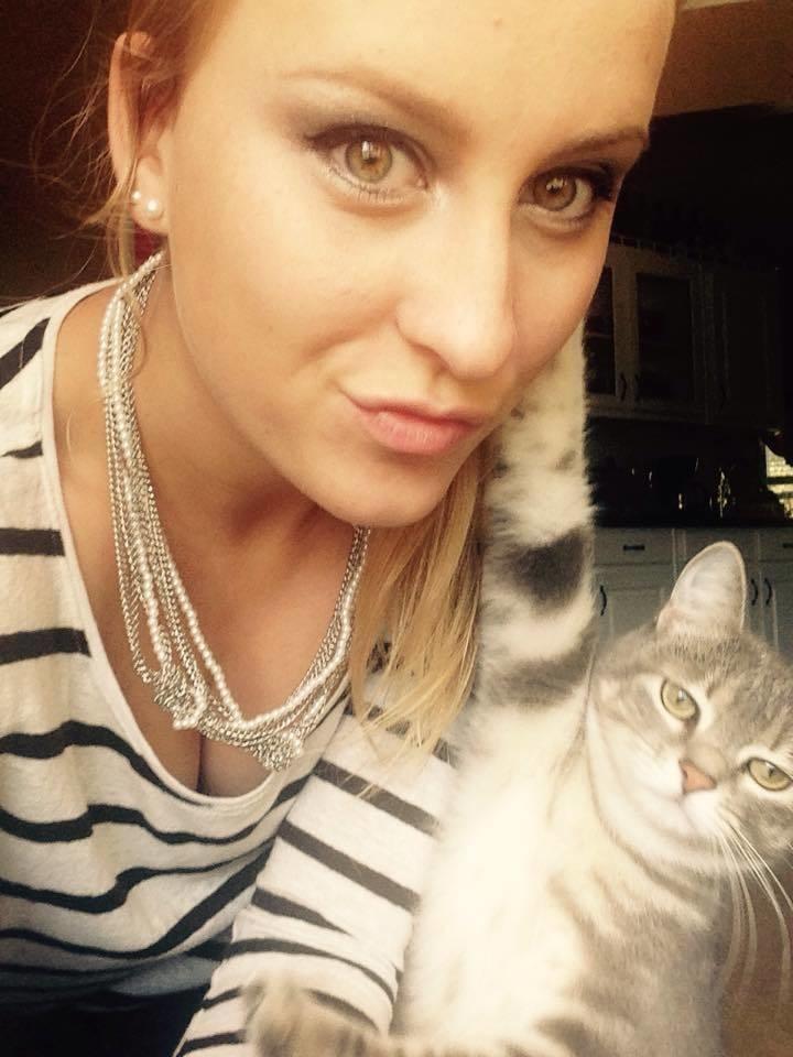 illuzone_Animal_Annoyed_Selfie (3)