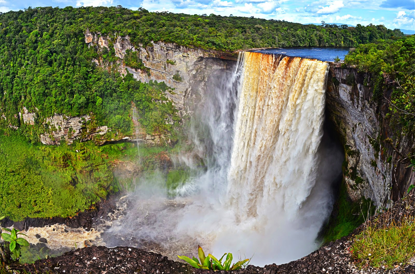 Kaieteur-Falls-in-Guyana---most-beautiful-waterfalls